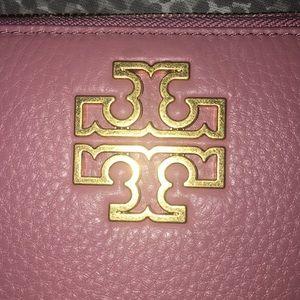 Tory Burch Bags - NWT Tory B Britain Zip Continental Wallet Blush